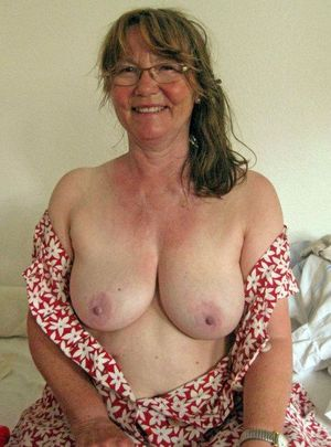Topless Moms